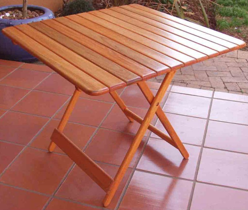 EASI FOLDING TABLES