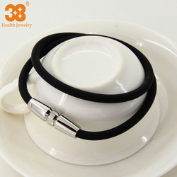 wholesales price with magnetic black silicone necklace