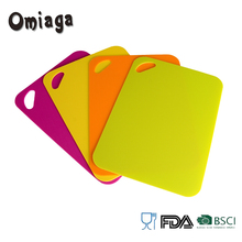 Colorful plastic chopping board with non-slip back