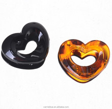 China wholesale traditional heart pattern transparent color plastic hair claw for thin hair