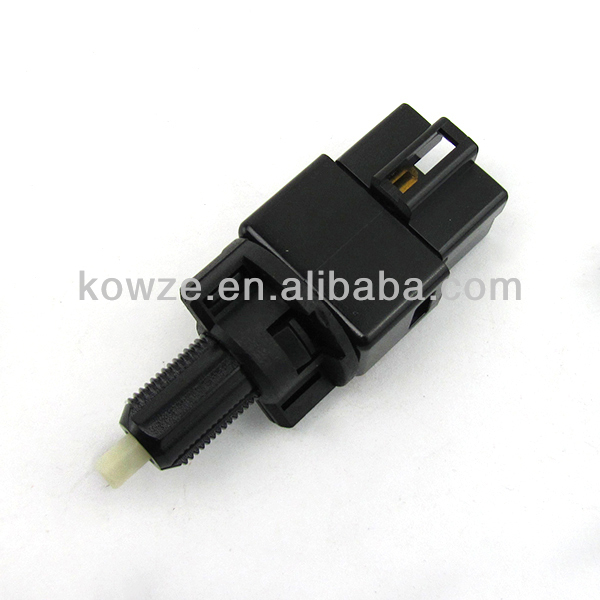 Stop Lamp Switch For mitsub Pajero Montero Lancer Sportback Delica Eclipse Grandis Colt I-MIEV MR228924