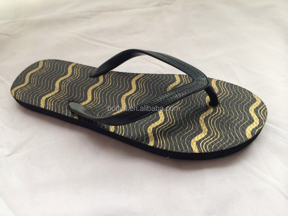 China manufactures rubber flip flop slippers
