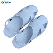 Fashionable summer sandal safety shoes