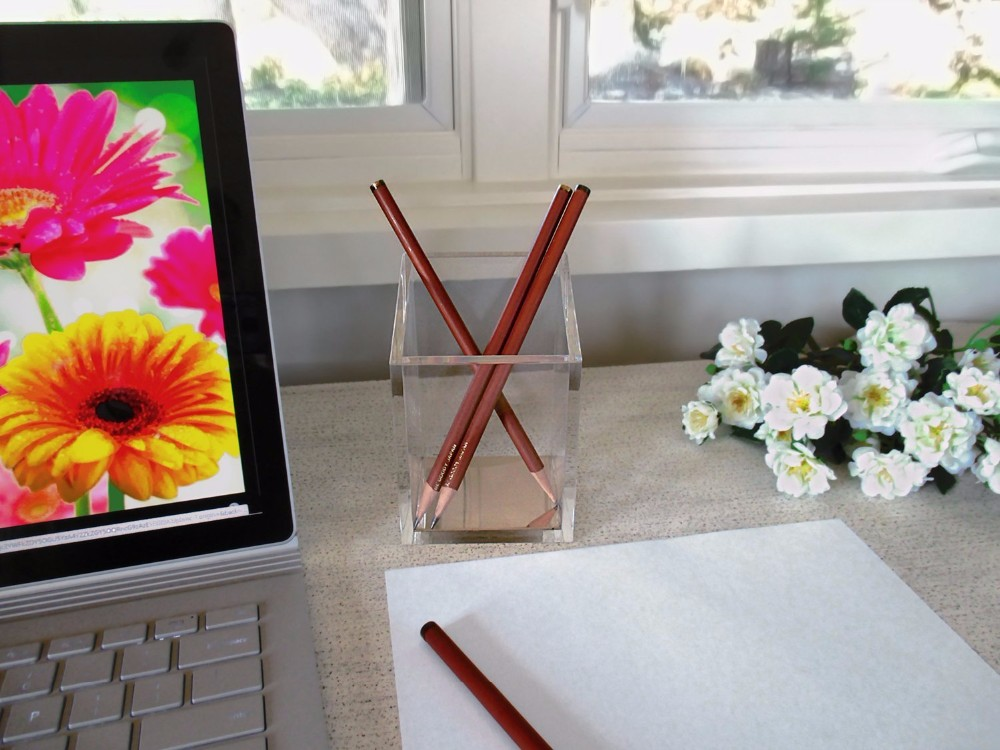 Clear Desktop Acrylic Pen Holder / Plastic Pen Holder