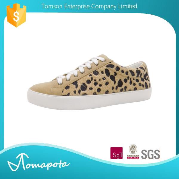 カスタマイズされたブランド名ユーロフェイクポニー毛レースアップゴムヒョウスポーツ女の子靴