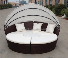 Outdoor Furniture Wicker Sofa with Retractable Canopy/ Round Rattan Beach Daybed