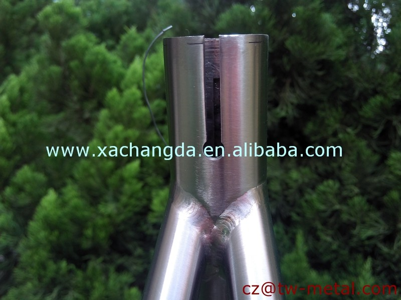 Titanium Road bike frame with inner line routing customized road bicycle frame made in china