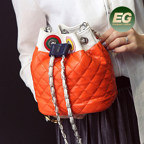 New design color collision PU leather bucket round shoulder bag with long straps SY8304