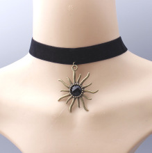 Wholesale jewelry sun pattern pendant choker necklace