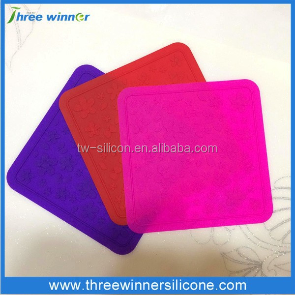 Embossed Flower Silicone Heated Placemats