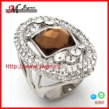 R2505 2012 Fashionable Focus Unique Single Stone Ring