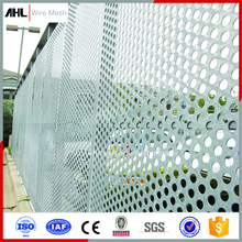 High Quality PVC/Stainless Steel Welded Metal Mesh Made Perforated Metal Mesh Perforated Punched Metal Sheet/Roll For Sell.