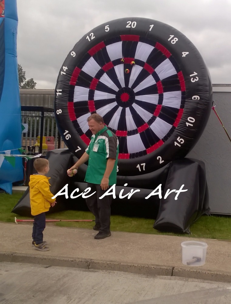 custom inflatable soccer darts giant golf inflatable dart <strong>game</strong> for rental