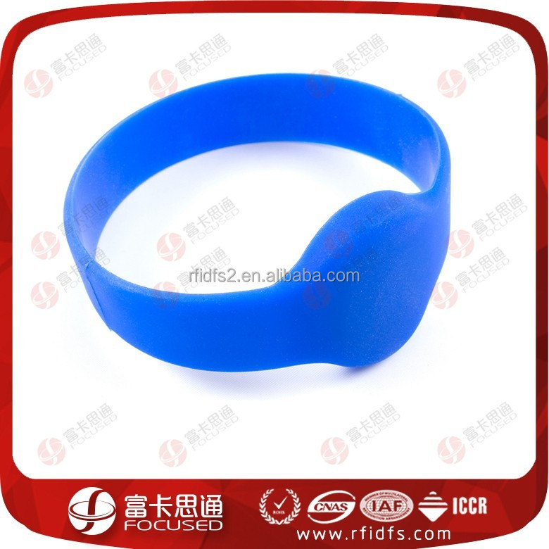 Smart fixed round wearable RFID wristband embedded NFC chip