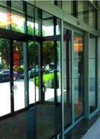 JNT Commercial frameless automatic sensor sliding glass door