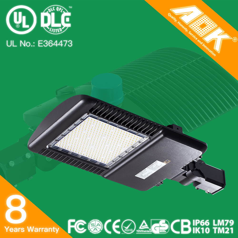 UL DLC Listed AOK Street Light Parking Lot Lights With Warehouse In USA