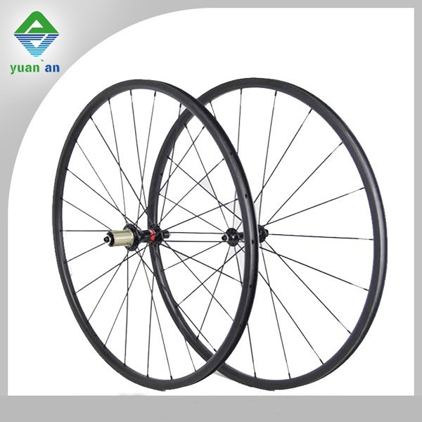 OEM 700c carbon clincher wheelset bicycle wheels with ceramic bearing novatec hub for road bike