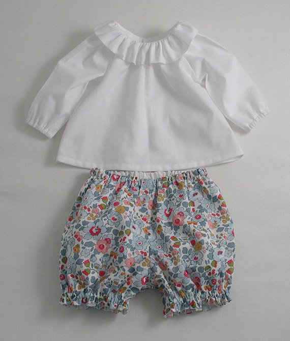 Wholesale Baby Girl Set White top and Printed shorts Import Baby Clothes China