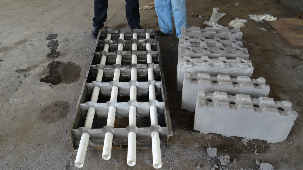 Lightweight foam concrete block making machine clc block for Cement foam blocks