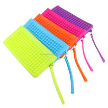 Promotional Cheap Colorful silicone women purse and wallet with zipper