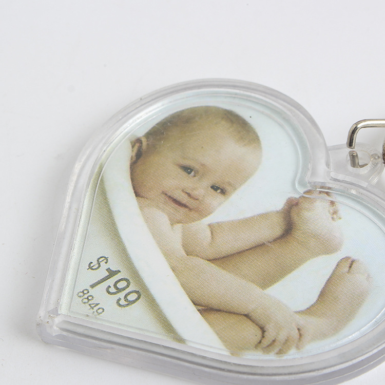 Wholesale cheap heart shape clear acrylic photo frame keychain