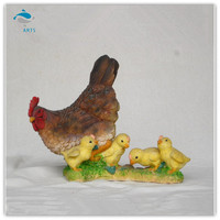 Polyresin animal garden decoration hen with the chicken