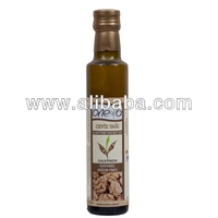 Natural Cold Pressed Walnut Oil in 250 ml Glass Bottle