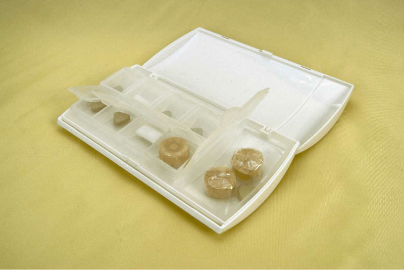 New plastic portable pill case for travel, hot promtional waterproof pill case