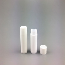 2016 promotional fashionalble custom logo printing plastic lipstick tube screw up design lip balm tube supplier