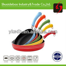 Non-stick pan with temperature sensor