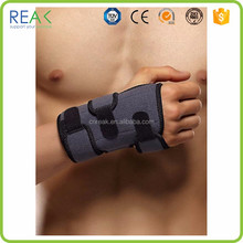 International fabric adjustable black nylon.neoprene.rubber snowboard gloves wrist support