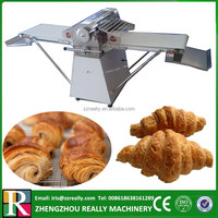 Commercial pizza dough roller for bakery with automatic