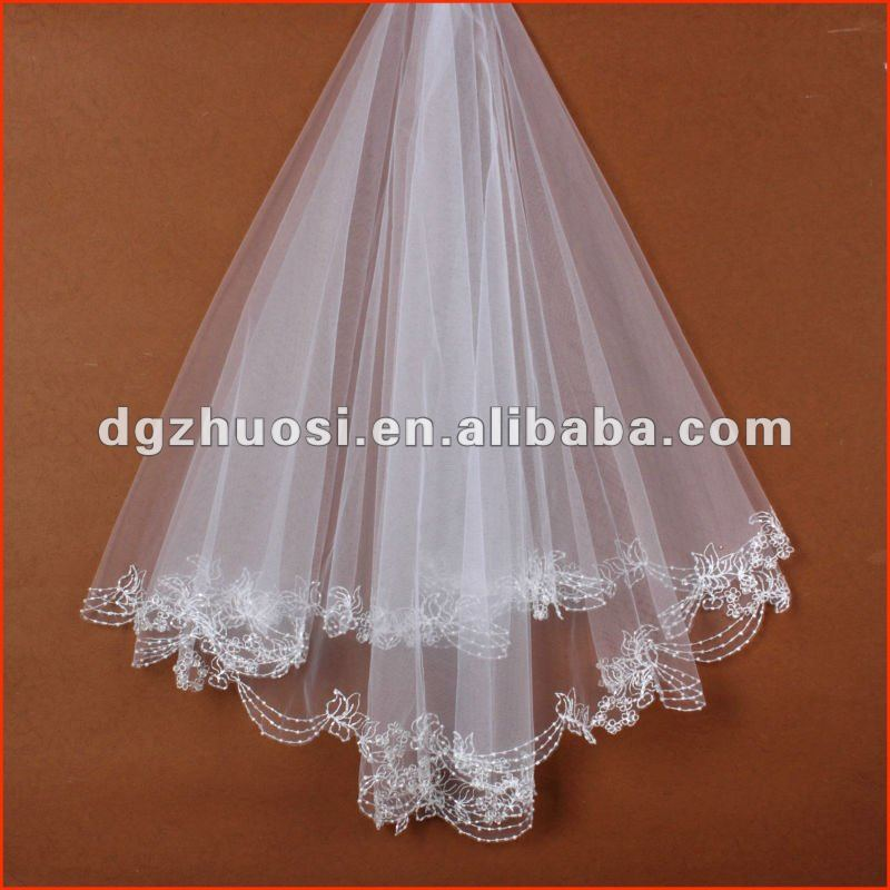 2016 New Style White Elegant Border Embroidery Long Lace Wedding Veils