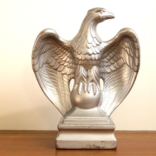 Indoor modern art eagle painted silver sculpture for interior decoration
