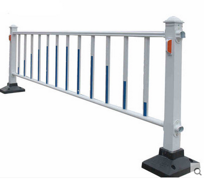 PVC coated Safety traffice fence/galvanized steel road guardrail