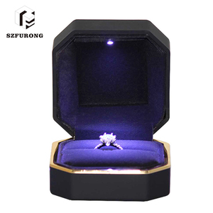 75*75*52Mm Packaging Gift Black Plastic Led Light Ring Box