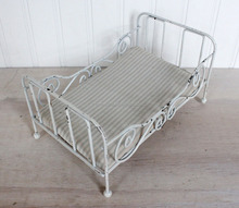 Luxury baby wrought iron doll bed