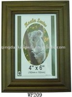 Carving Wood Photo Frame in Dark Brown, Features in FSC Wood