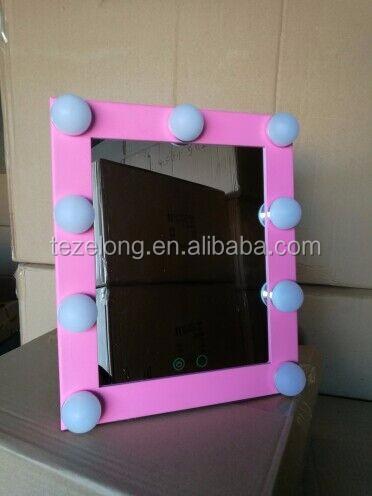 bulbs mirror (2).jpg