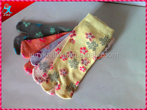 cotton material high quality toe slipper sock
