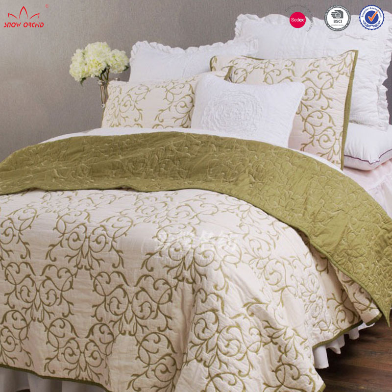 Summer solid color cheap fashion bed sheet embroidery bedding coverlets