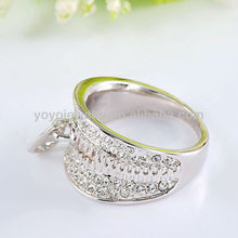White gold plated lip crystal ring with key