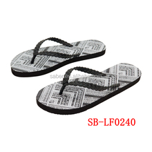 High Quality 2017 Saber Fashion Colorful Strap Ladies Size Flip Flops