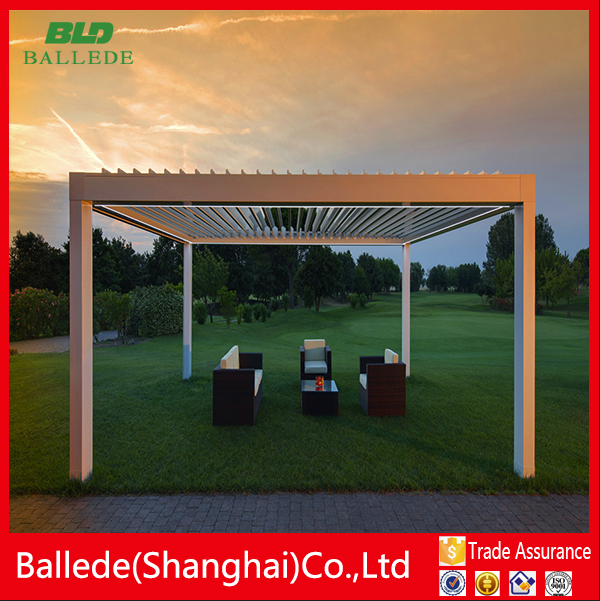 gazebo with pillars