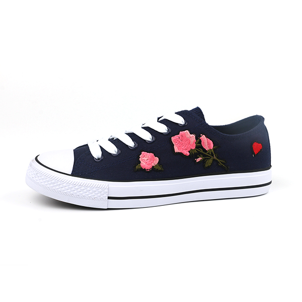 Factory Outlet classical flat canvas lady shoes.