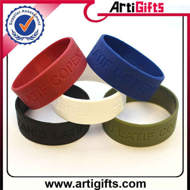 Made in china silicone bracelets for party giveaways