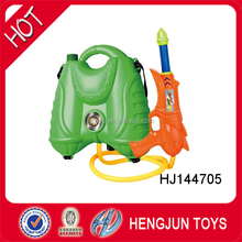 hot item shooting long distance plastic water gun with backpack toy for kids games