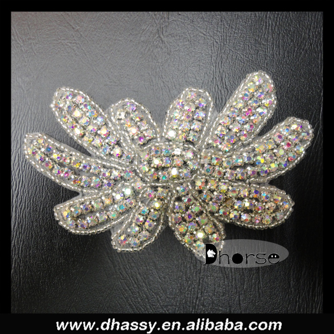 Wholesale shiny flower beaded ab stone crystal rhinestone applique for clothing