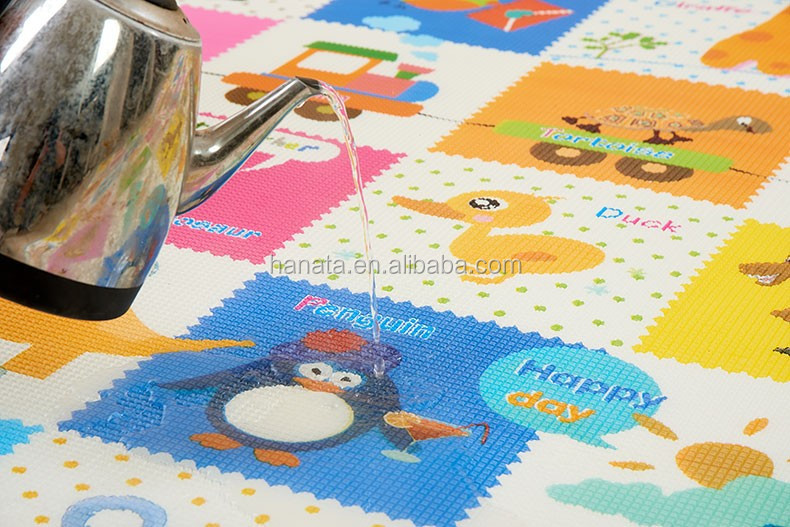 colorful multi animals printed two sizes 2cm XPE eco waterproof non smelling sleeping craw mat