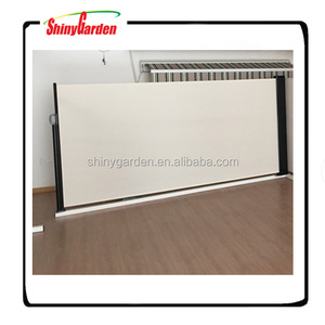 Outdoor Decoration Vertical Wind Screen Car Side Awning